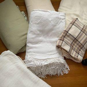 Neutral colored blanket bundle